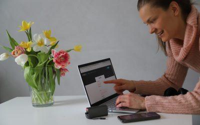 Tarvitsetko helppoa tapaa järjestää verkkokursseja tai livekoulutusta?
